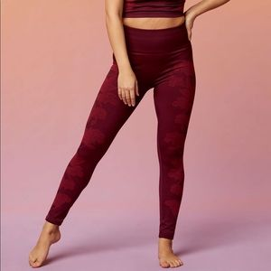 Fabletics NWT High waisted seamless floral legging